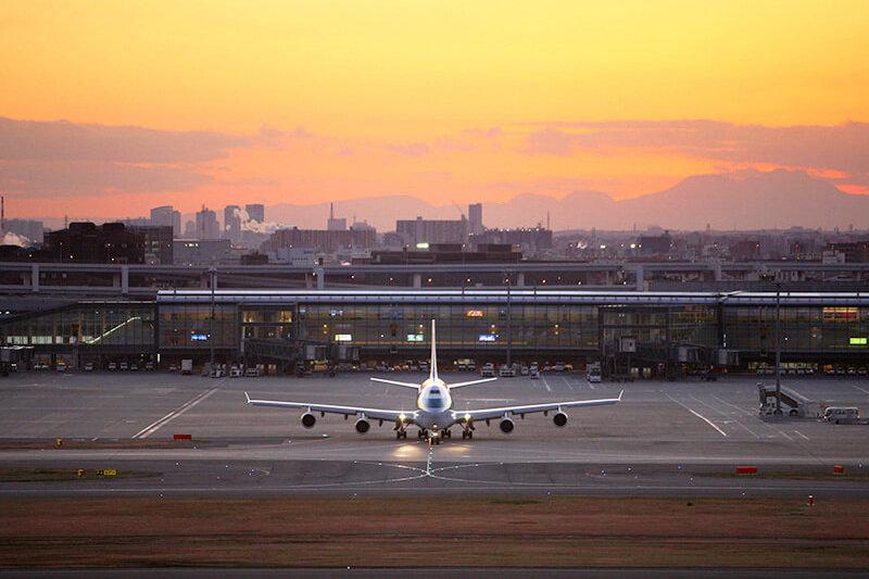 飛行機好きならたまらない!客室から飛行機を見ることができるホテルはココ!