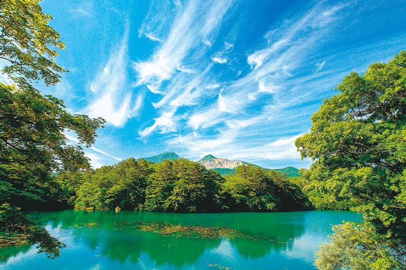 福島で人気の絶景スポット!神秘的に輝く五色沼が綺麗すぎる♪