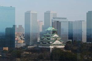 大阪歴史博物館から望む大阪城