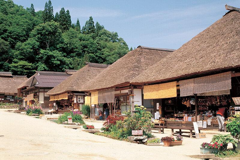 福島県会津の宿場町「大内宿」がいい雰囲気♪江戸時代の風情を感じる大人女子旅を