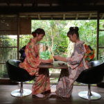 E-girls楓&佐藤晴美の秋の山口旅後編。着物姿で城下町・萩を歩き萩焼き体験も。