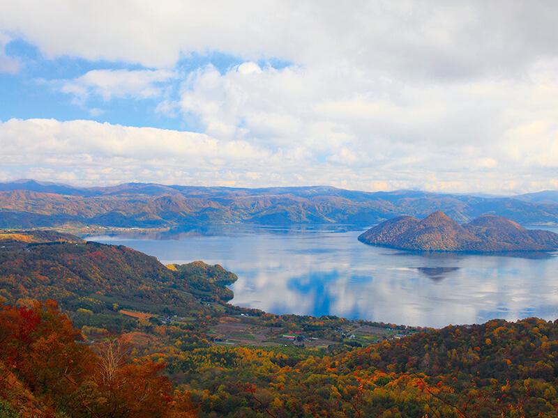 洞爺湖の紅葉