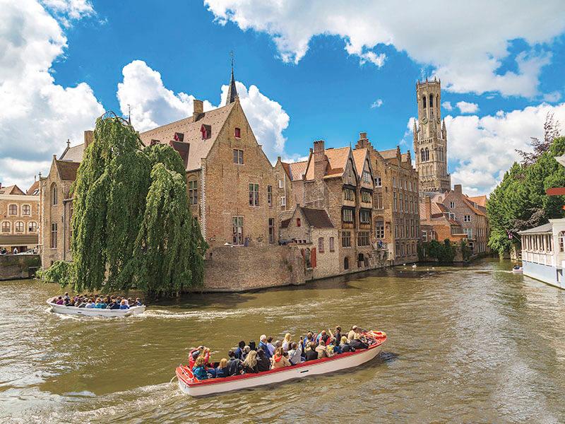 ブルッヘ鐘楼と運河