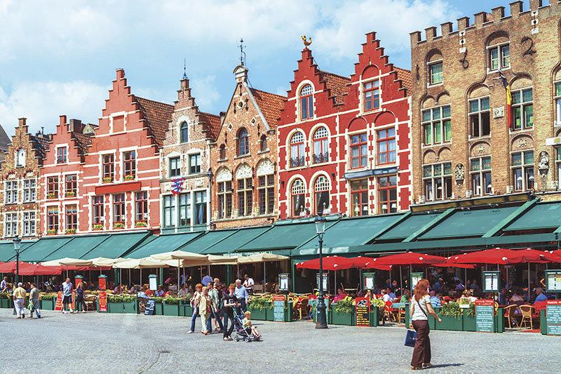 可愛い街並みとチョコレート好き必見!ベルギーの世界遺産ブルージュの街をご紹介