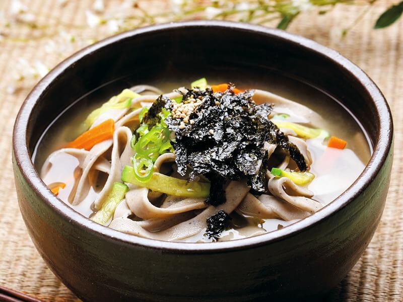 名物の太麺蕎麦「コットゥンチギ」