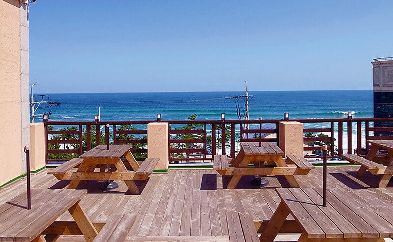 海が見えるカフェ。写真提供:韓国観光公社