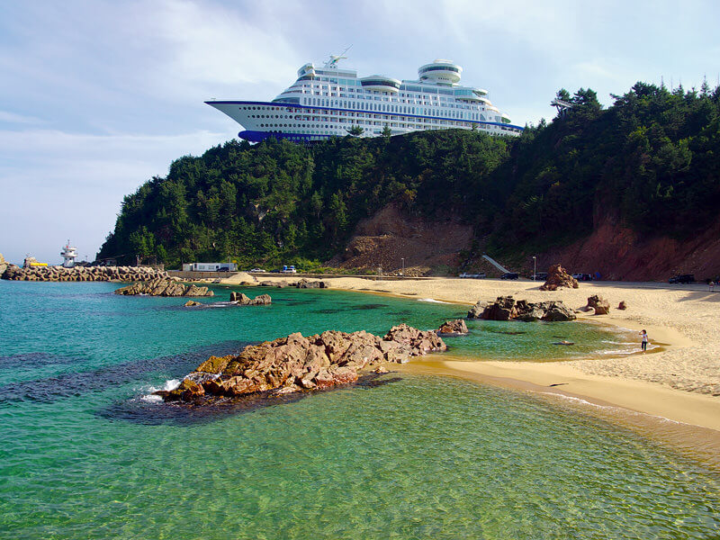 名物!船の形のホテル。写真提供:韓国観光公社