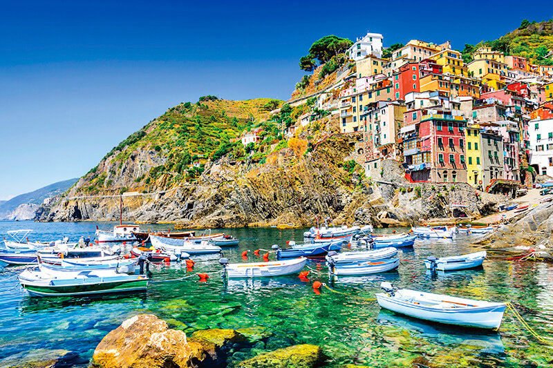 イタリア屈指の美しい海岸線!世界遺産「チンクエテッレ」のフォトジェニックな絶景