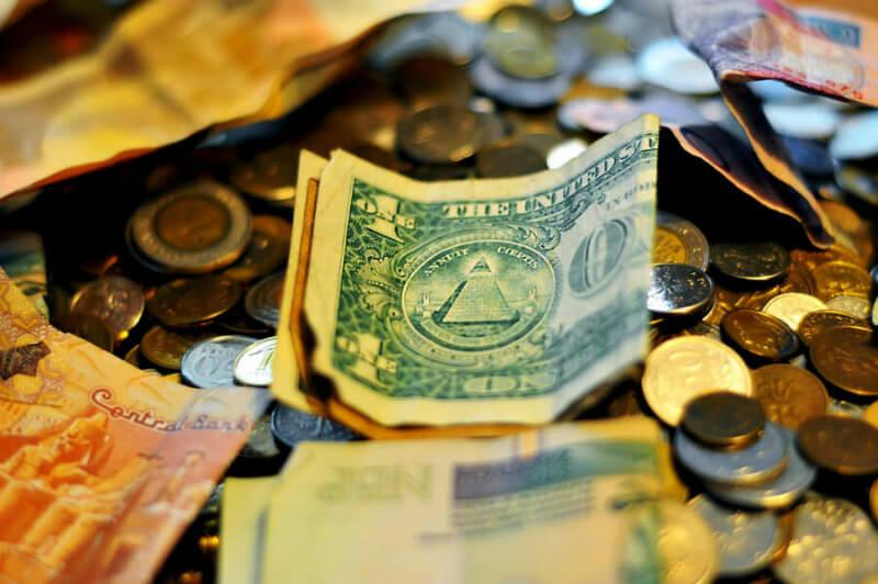 紙幣とコイン イメージ