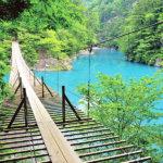 インスタ映え間違いなし!エメラルドグリーンの美しすぎる水面が眩しい「寸又峡(すまたきょう)」