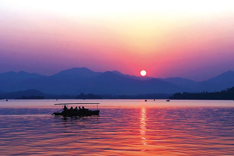 西湖の日没