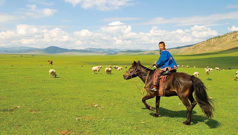 馬に乗る遊牧民族