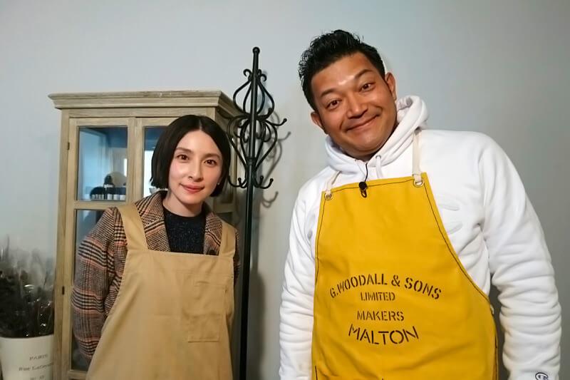 代官山でキャンドル作り。左から奥菜恵、山口智充 ©関西テレビ
