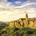 """""""イタリアの最も美しい村""""のひとつ、凝灰岩の町「ピティリアーノ」で見たことのない絶景に出会う♪"""