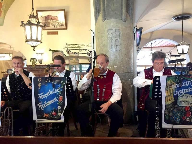 ホフブロイハウスのバンド演奏
