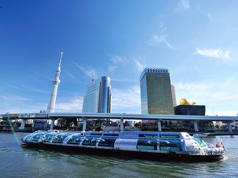 水上バス「ホタルナ」と東京スカイツリー