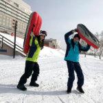是永瞳と宮本茉由が冬の北海道、洞爺湖と札幌へ。ゲレンデでは童心に返って雪遊び!