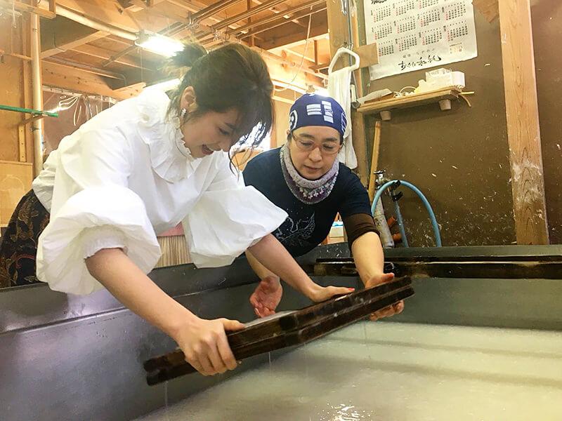小国和紙生産組合。柳ゆり菜 ©TBS