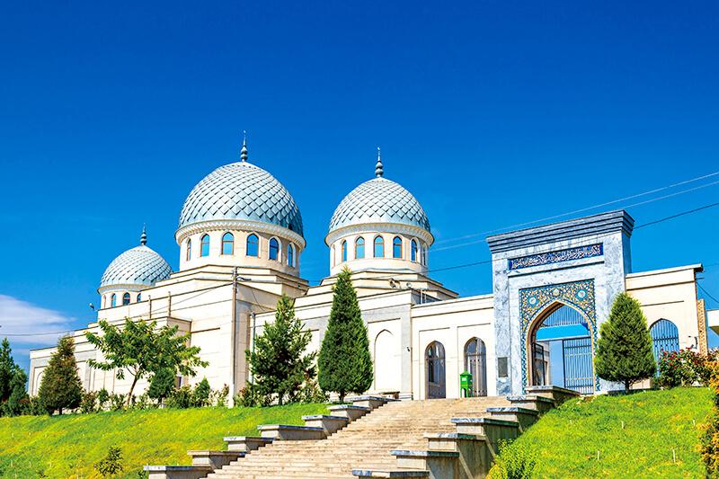 イチャン・カラのほぼ中心に位置するジュマ・モスク
