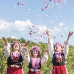 メルヘンチックな世界へようこそ!ブルガリアのバラ祭り「カザンラク ローズフェスティバル」