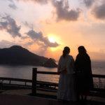 元NMB48の山田菜々と藤江れいなが長崎・五島列島へ。荘厳な雰囲気に感じ入る