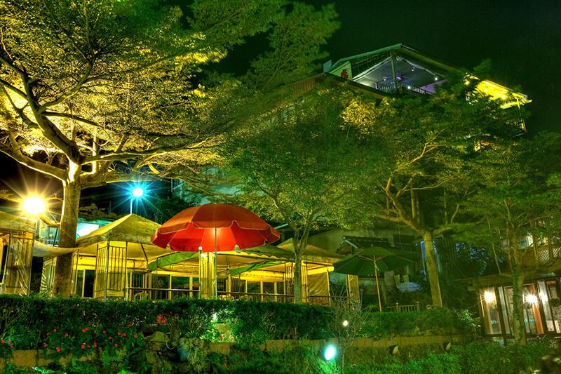 深夜営業している茶芸館