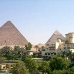 エジプトのラグジュアリーホテル「メナ・ハウス・ホテル」で、巨大ピラミッドを独り占め!!