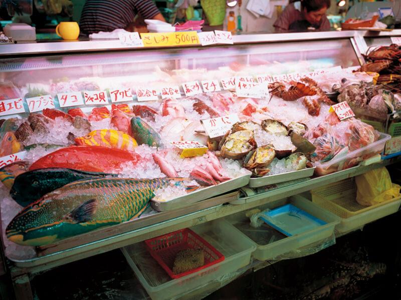 牧志公設市場の魚売り場