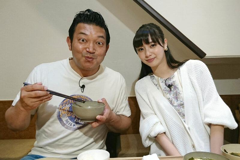 新川優愛が人気わたあめ店へ!老舗みそ専門店ではみそ汁の作り方を伝授してもらうことに