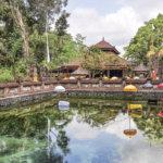 インドネシア・バリ島観光にぜひ!美しい「ティルタウンプル寺院」の聖なる泉での沐浴を体験してみて♪