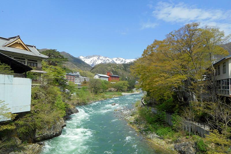 昭和レトロな街並みとアクティビティを楽しむ♪群馬県の水上温泉に泊まろう!