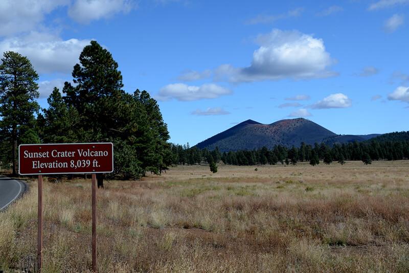 サンセットクレーター火山
