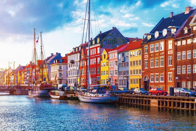 デンマーク・コペンハーゲンのおすすめ観光スポット「ニューハウン」がカラフルで可愛い♡