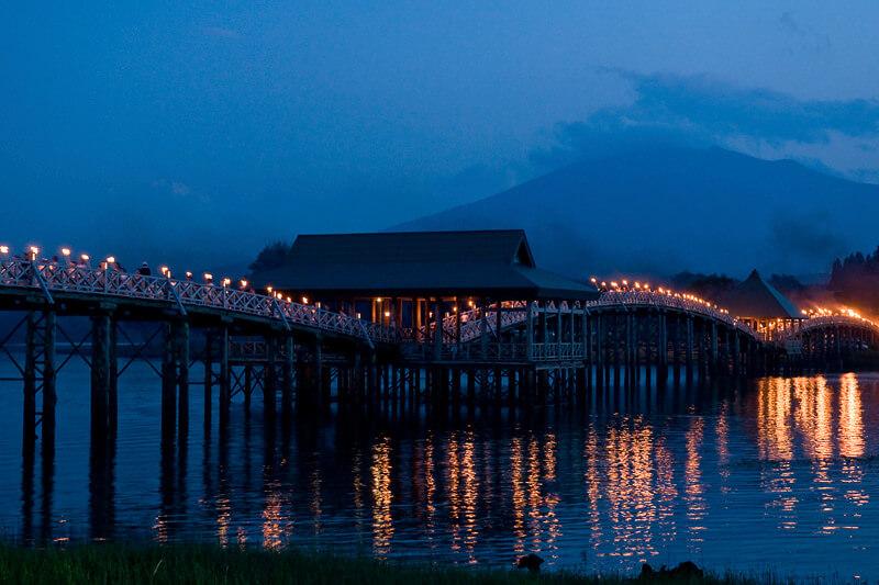 鶴の舞橋 ライトアップ