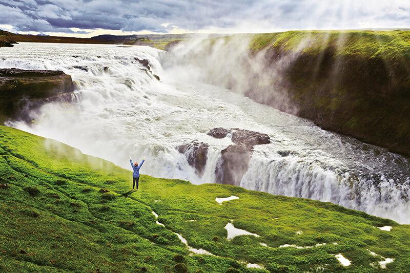 黄金の滝や地球の割れ目をめぐるアイスランドの観光ルート「ゴールデンサークル」がすごすぎる!