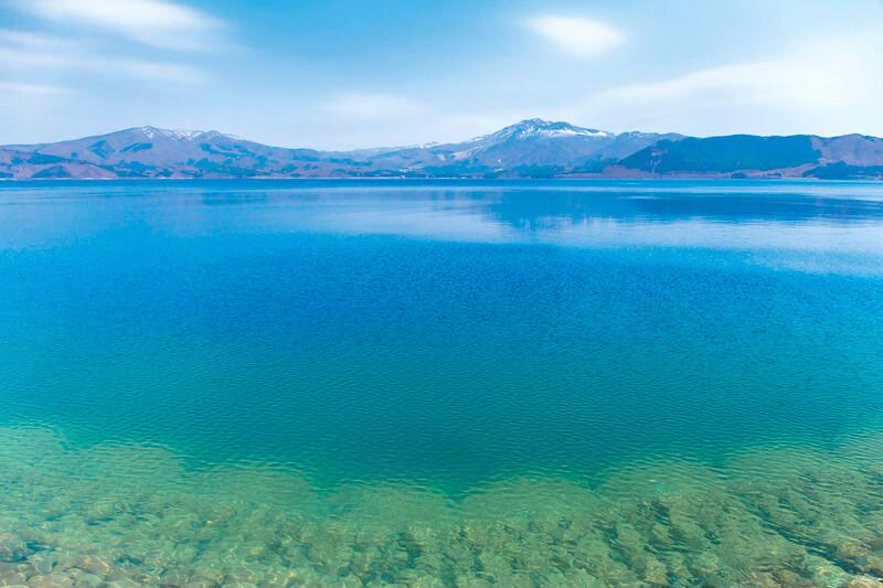 秋田の癒しの観光スポット。日本一深い湖「田沢湖」で身も心もリフレッシュしよう♪