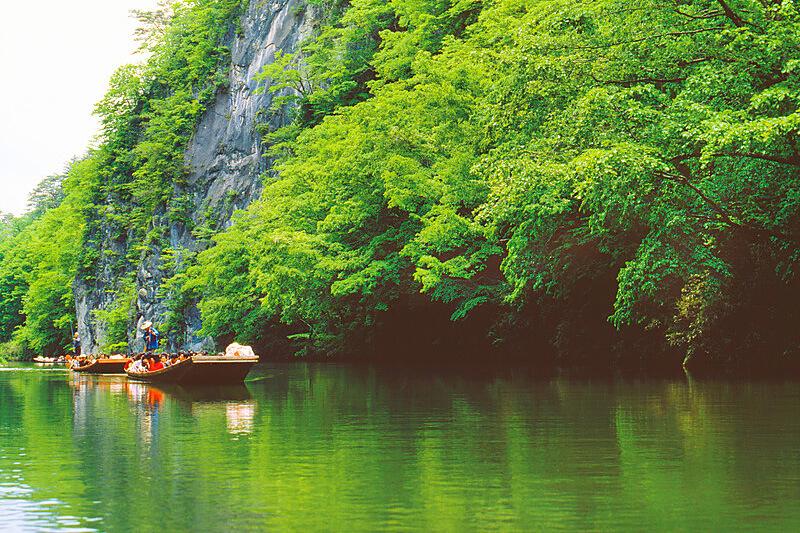 日本百景のひとつ・岩手県「猊鼻渓」で四季折々の渓谷の美しさを舟下りで堪能しよう♪