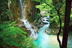 岐阜県の絶景スポット! エメラルドブルーの清流が美しい付知峡をご紹介♪