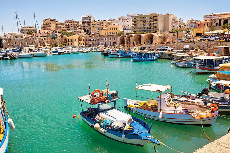 イラクリオン 港 ボート クレタ島