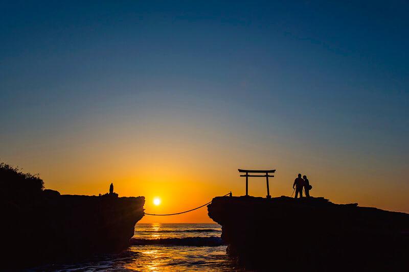 夜明けの白浜神社