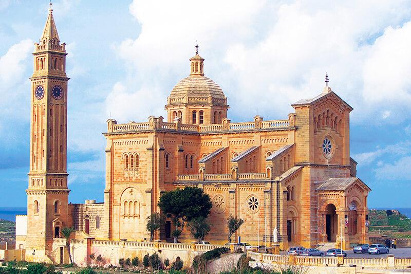 タピーヌ教会