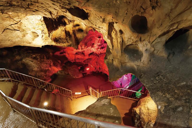 関東最大の鍾乳洞!群馬県「不二洞」で神秘的な光景に出会う