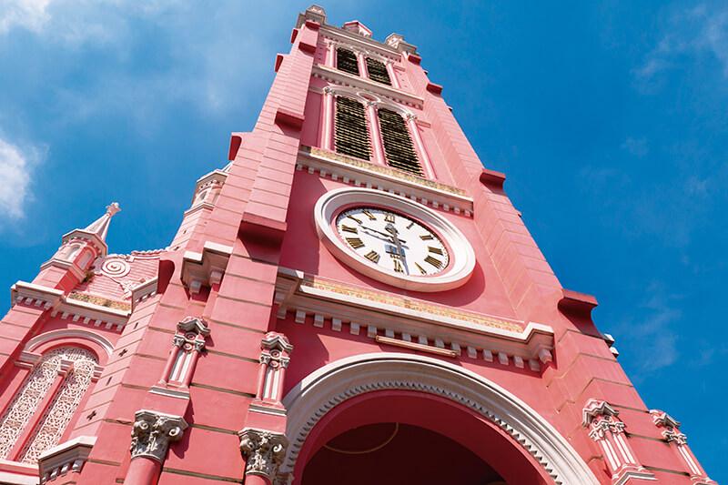 女子の心をくすぐるピンクの建物♪ベトナム「タンディン教会」
