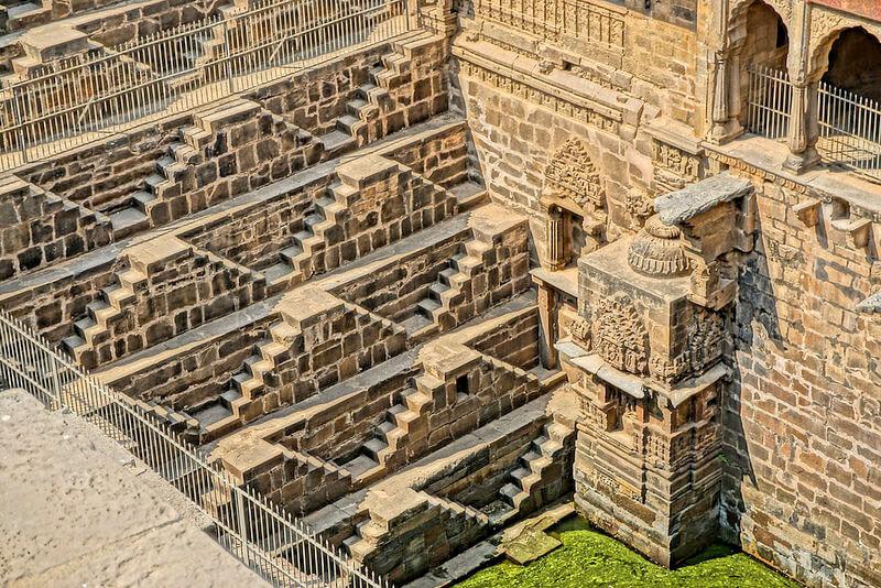チャンドバオリの井戸階段