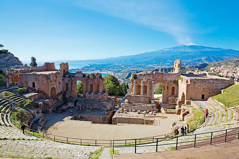 イタリア・シチリア島で満喫しよう♪歴史薫るリゾート地タオルミーナで優雅な休日を