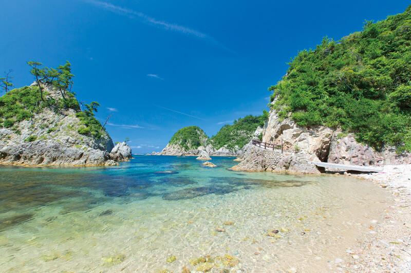 最高透明度25m!本州屈指の透明度を誇る鳥取県「浦富海岸」の絶景を楽しもう