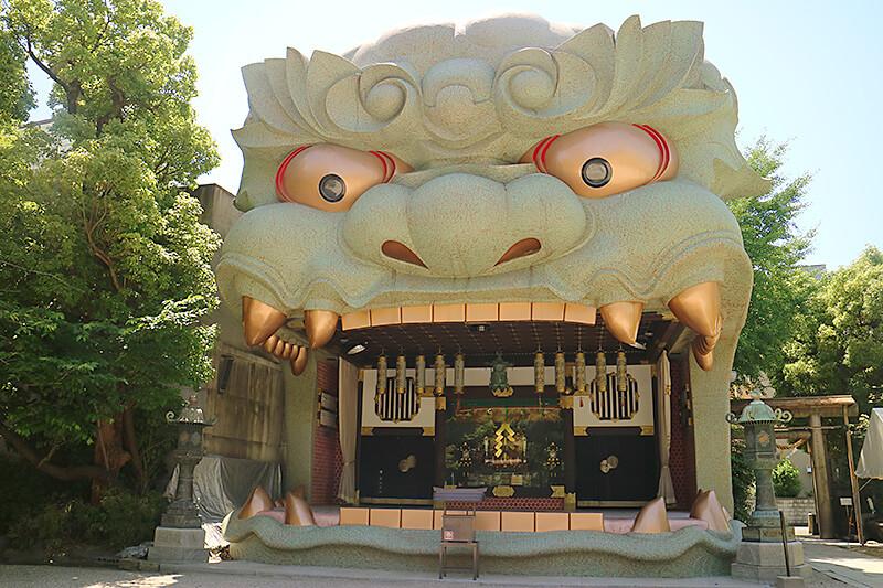 大阪の珍名所!?インパクトがすごすぎる「難波八阪神社」ってどんなところ?