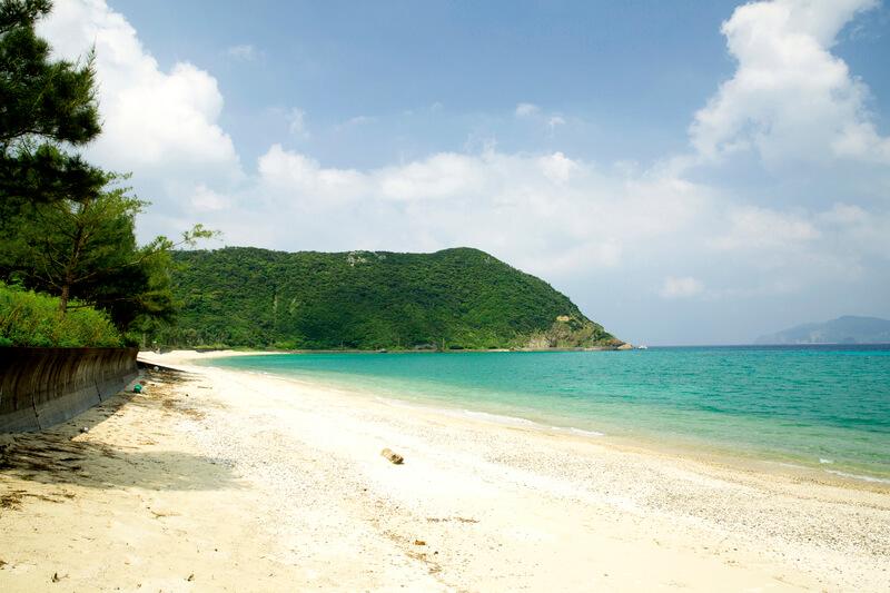 加計呂麻島 実久集落浜辺