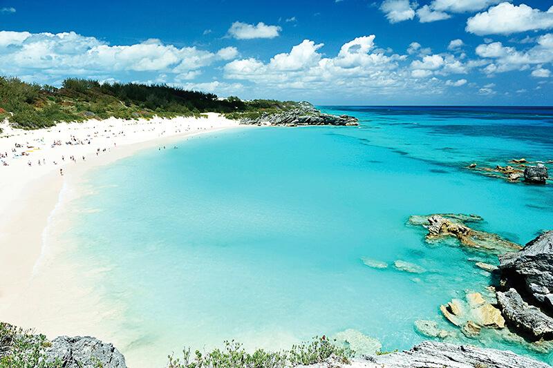 ピンク色のビーチとカラフルな街並みが可愛い♪カリブ海のリゾート「バミューダ諸島」