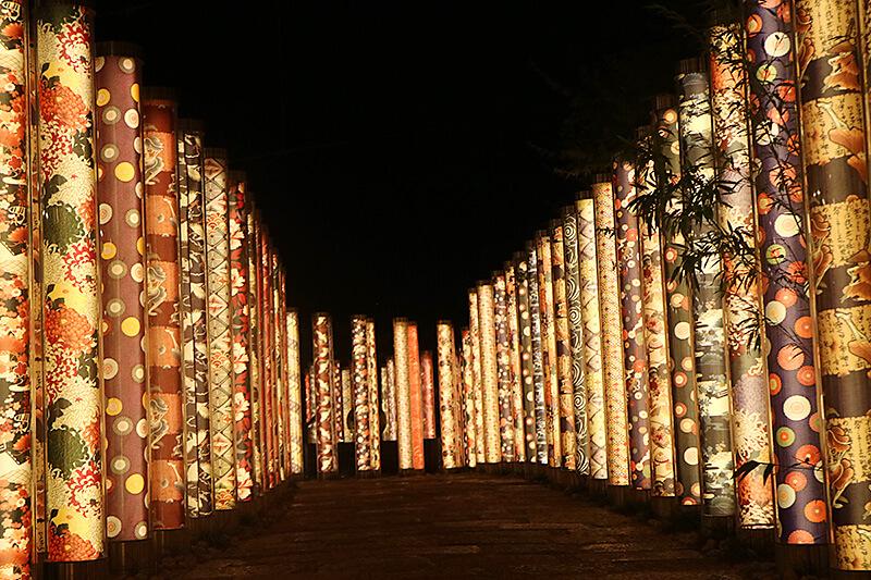 日中だけじゃもったいない!京都・嵐山は光輝くロマンチックな夜の景色を楽しもう♪
